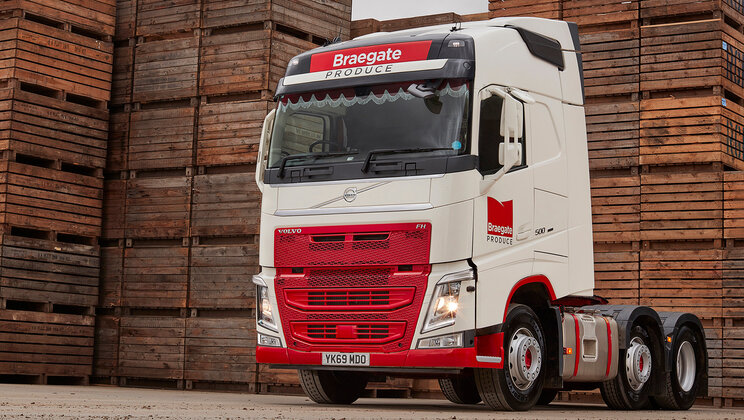 Volvo takes root at Braegate Produce with crisp new FH tractor