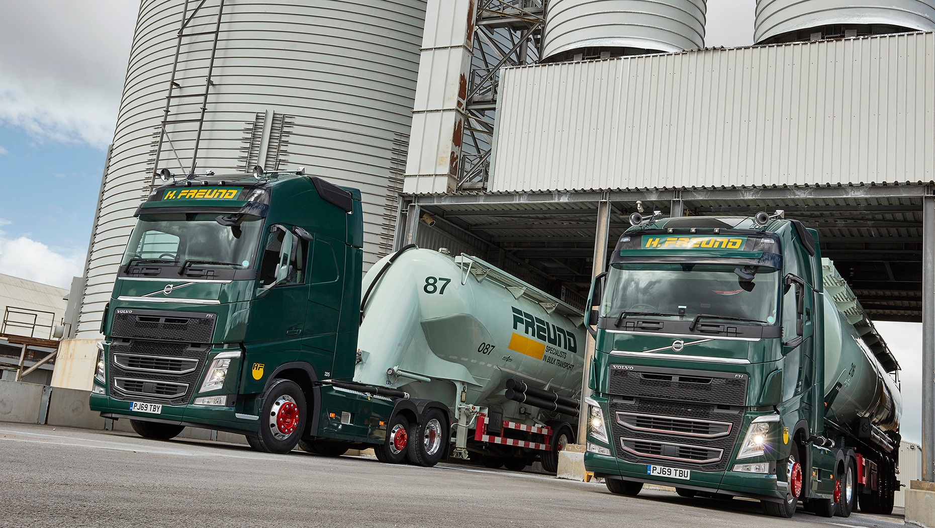 H. Freund has taken delivery of four new Volvo FH 6x2 tractor units with flagship Globetrotter XL cabs